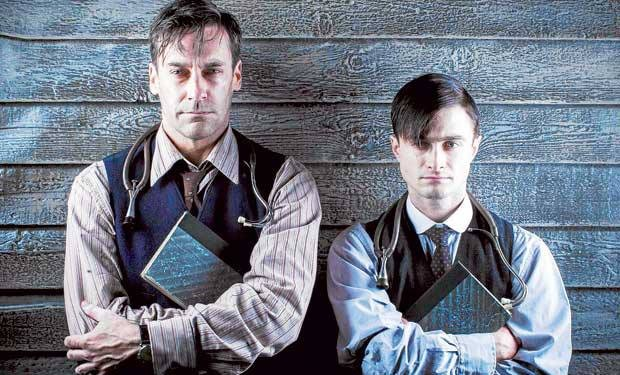 JON HAMM Y DANIEL RADCLIFFE - A young doctors notebook de HBO.